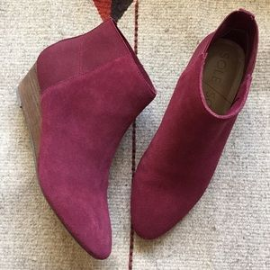 Sole Society Wedge ankle booties in wine size 6